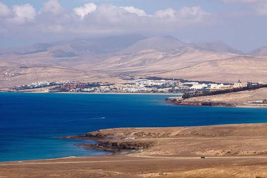 Costa Calma, Fuerteventura - Foto: <script type='text/javascript'>  <!--  var prefix = 'ma' + 'il' + 'to';  var path = 'hr' + 'ef' + '=';  var addy83560 = 'dirk' + '@';  addy83560 = addy83560 + 'vorderstrasse' + '.' + 'de';  document.write('<a ' + path + '\'' + prefix + ':' + addy83560 + '\'>');  document.write(addy83560);  document.write('<\/a>');  //-->\n </script><script type='text/javascript'>  <!--  document.write('<span style=\'display: none;\'>');  //-->  </script>This email address is being protected from spambots. You need JavaScript enabled to view it.  <script type='text/javascript'>  <!--  document.write('</');  document.write('span>');  //-->  </script>